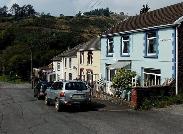 Fenton Place houses, Pontycymer
