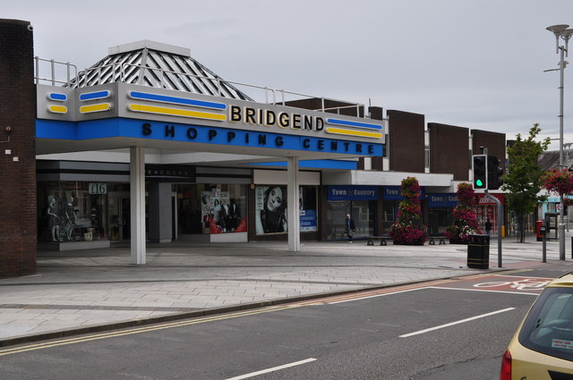 Bridgend : Bridgend Shopping Centre