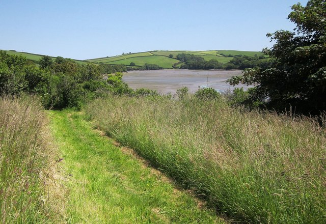 Path beside Frogmore Creek