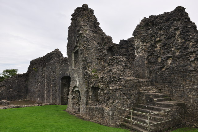 Bridgend : Newcastle Castle Ruins