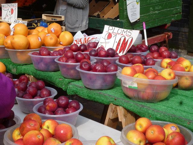 Croydon:  Surrey Street market