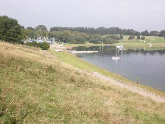 Sailing dinghies on Wimbleball Lake
