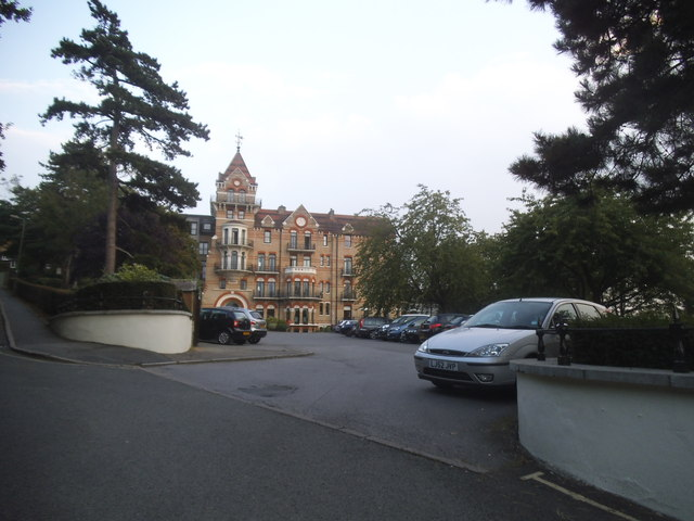 The entrance to the Petersham Hotel