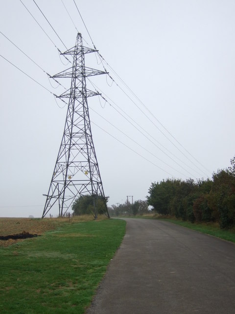 Track and pylon off Middle Street