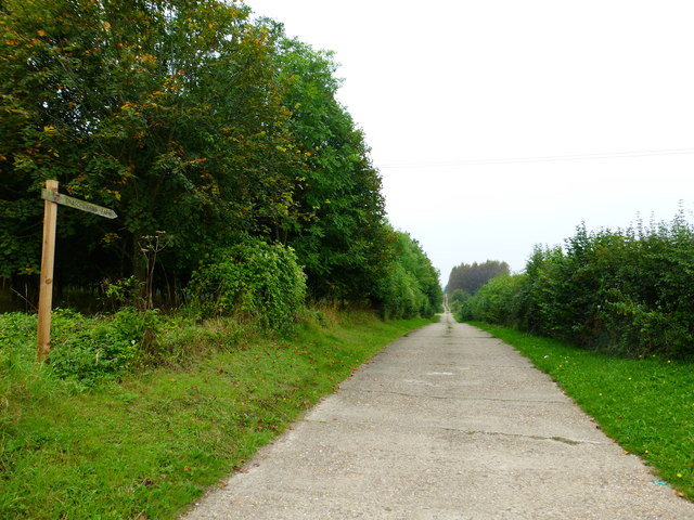 Access road to Snatchangers Farm