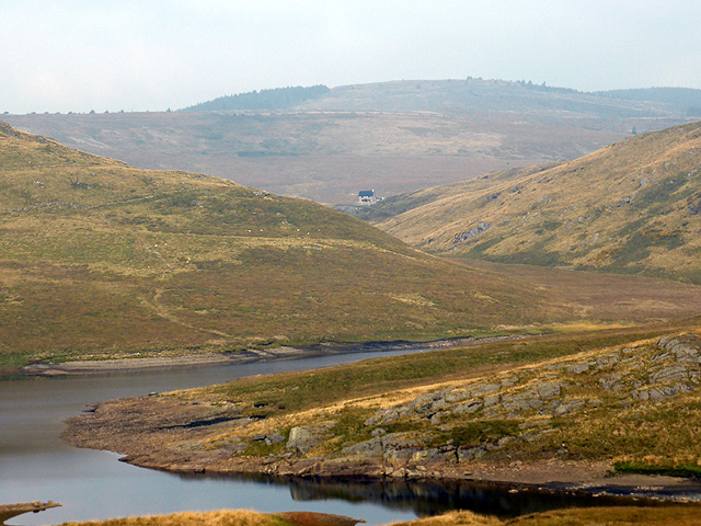 A view towards Llechwedd-mawr farmhouse