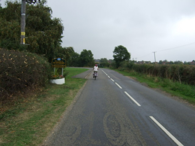 Entering Scothern on National Cycle Route 1
