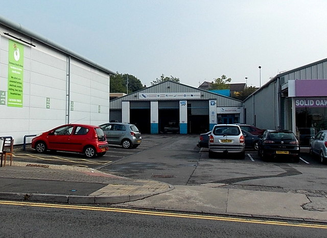 SHG  Motorsave garage in Bridgend