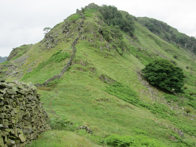 Dry stone wall on Rough Crag