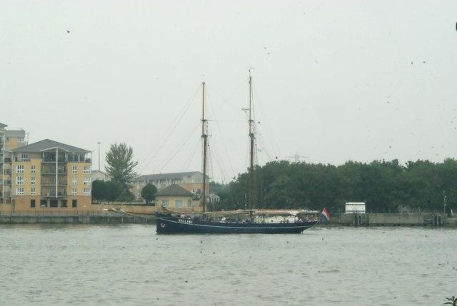 View of de Gallant rounding the corner into Greenwich Peninsula #3