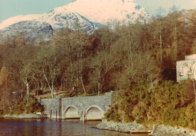 Bridge carrying the A82 over the outflow of Sloy Power Station