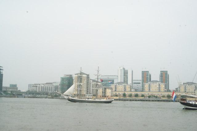 View of Gulden Leeuw heading toward the Greenwich Peninsula