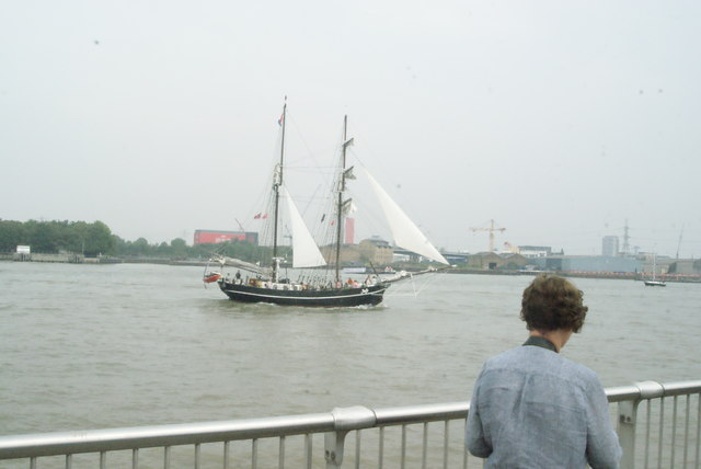 View of Jantje passing Greenwich Peninsula