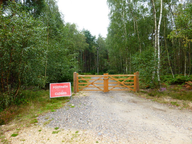 Footpath closed going northwards from The Welsh Drive