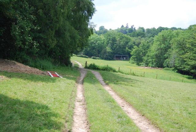Footpath to Ashurst Wood