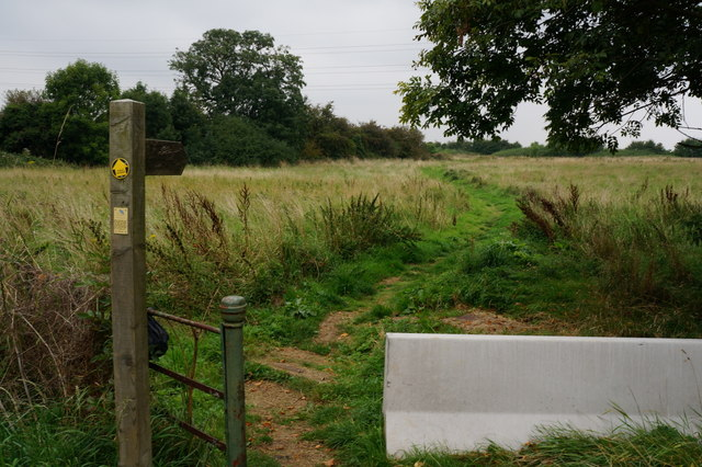 Footpath off Hewitts Avenue, New Waltham