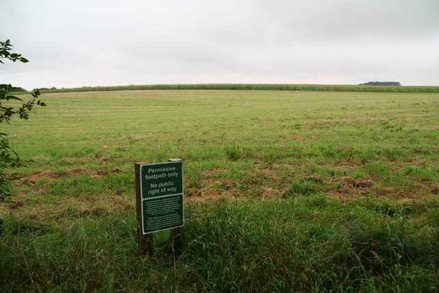 Permissive link path? West side of Scampton Airfield