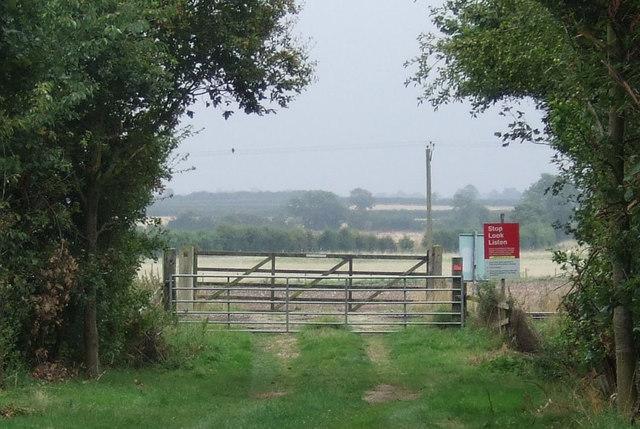 Farm track level crossing