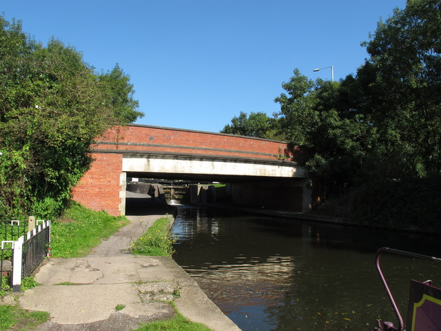 Bridge 180, Grand Union Canal