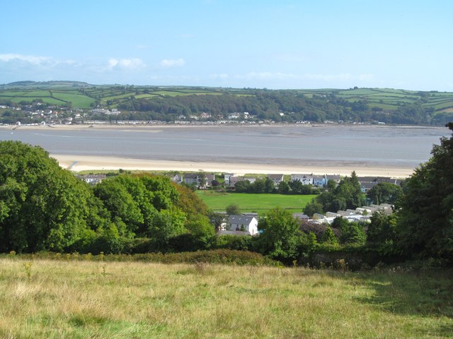 Downhill to Llansteffan