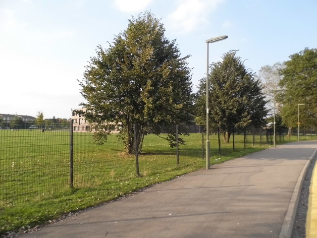Larch Avenue by Christ's College, Bellfields