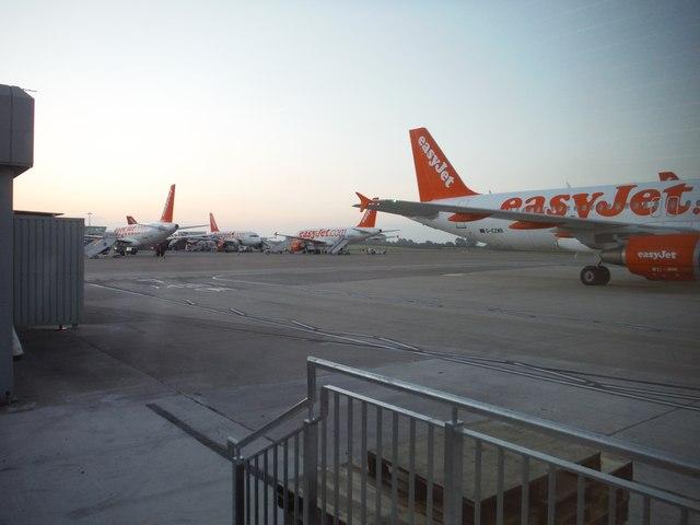Bristol International Airport : Parking Gates