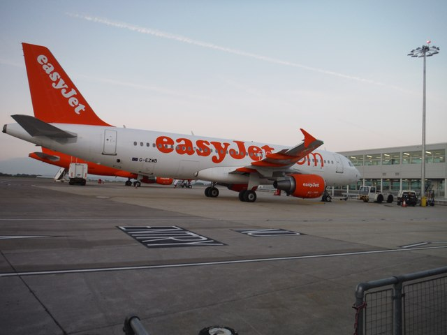Bristol International Airport : Easyjet Airbus A320