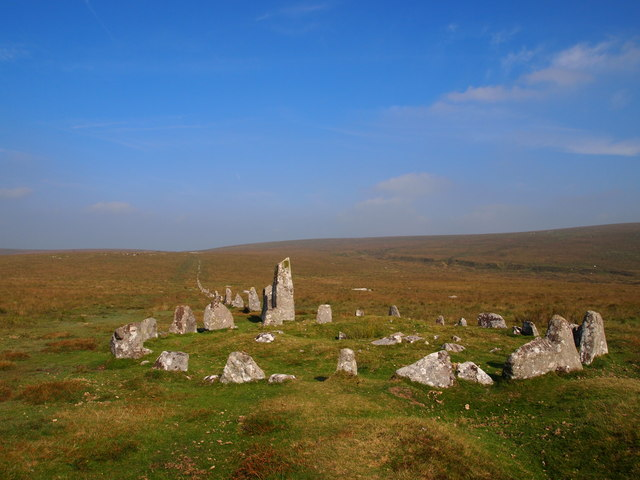 Down Tor Stone Circle and Row