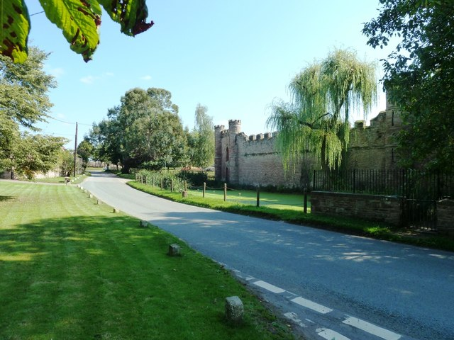 Bollitree Castle at road junction