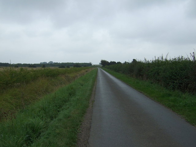 Lane towards Snelland