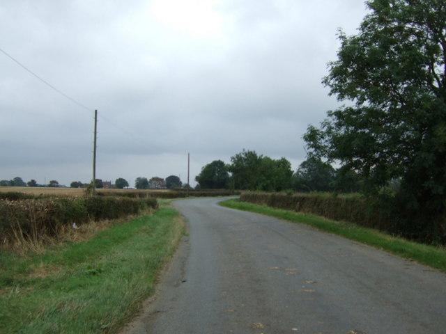 Twisty lane towards Lissington