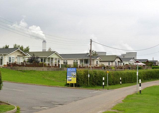 Immobile homes, Church Laneham