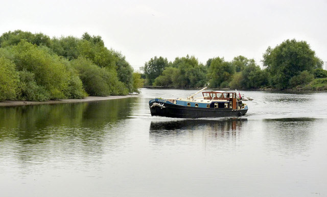 Barging down the River Trent