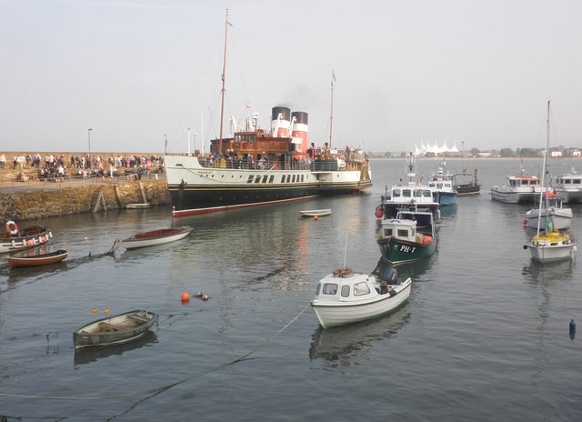 Paddle steamer 'Waverley' at Minehead harbour