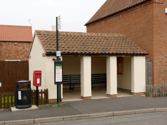 Bus Shelter and postbox, Laneham