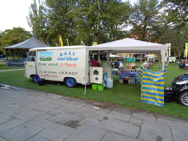 Mobile Shop in Queen's Gardens, Hull