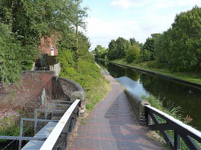 New Main Line canal towards Birmingham