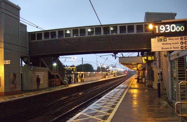 Footbridge, Newark Northgate Railway Station