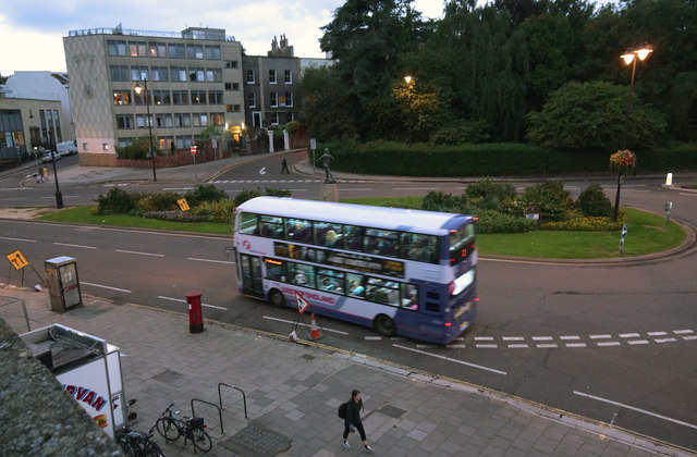 Queen's Road roundabout
