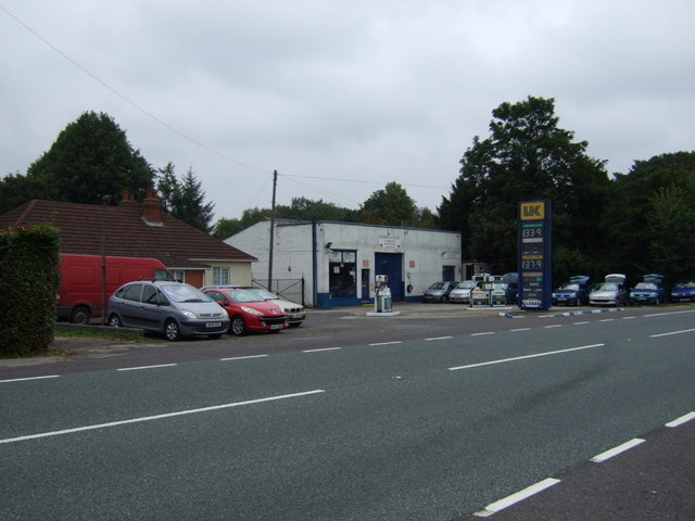 Service station on the A158