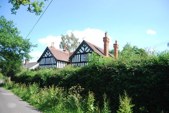 Mock Tudor, Lydens Lane