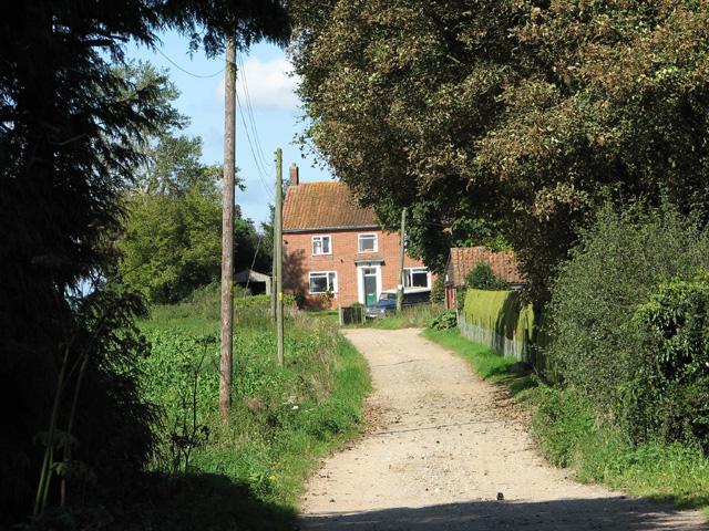 Access road to Heath Farm