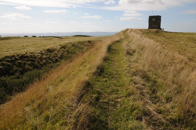 Kemerton hill fort and Parsons' Folly