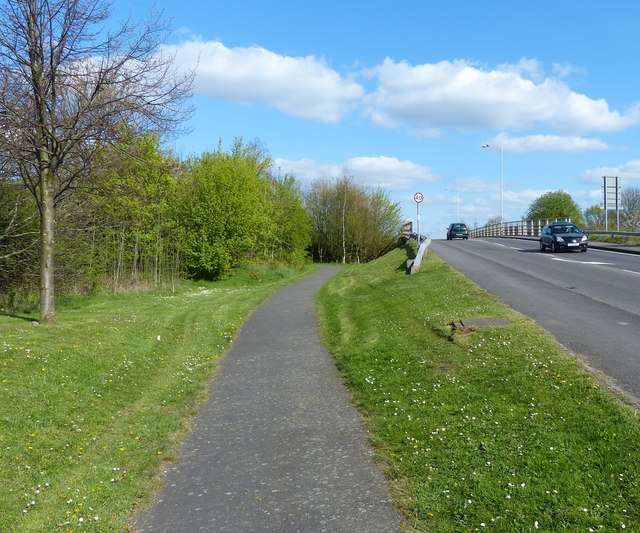 Path along Leicester Road in Groby