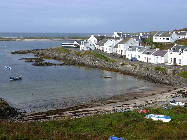 View along the bay at Portnahaven