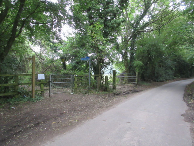 Cycle Route 21 leaves Scotshall Lane