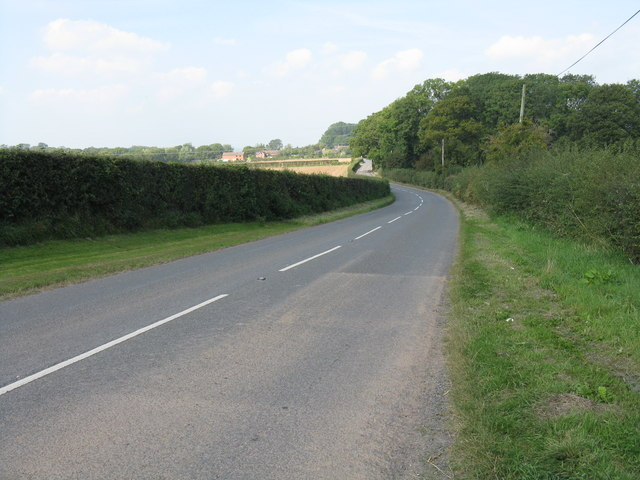 The road north from Hidelow Farm