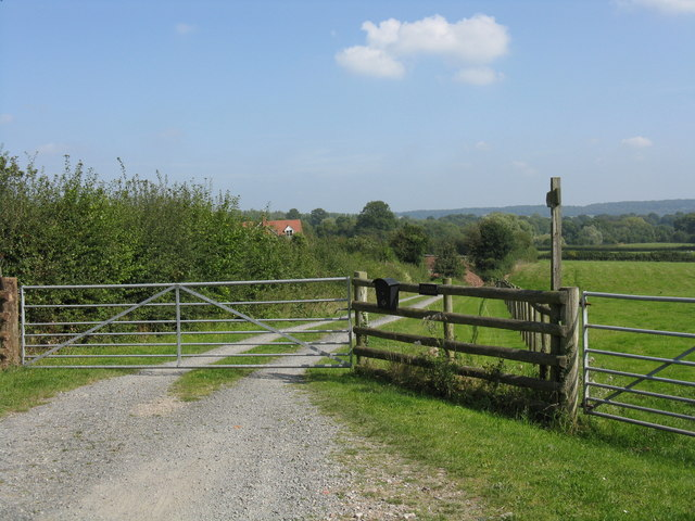 Footpath to Old Yearsett at The Oaks
