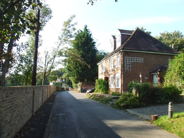 Darenth Road South, Darenth