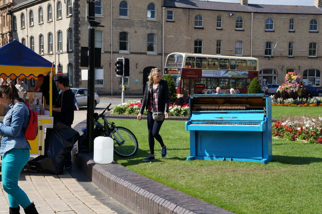 A play it yourself piano, Queen's Gardens, Hull
